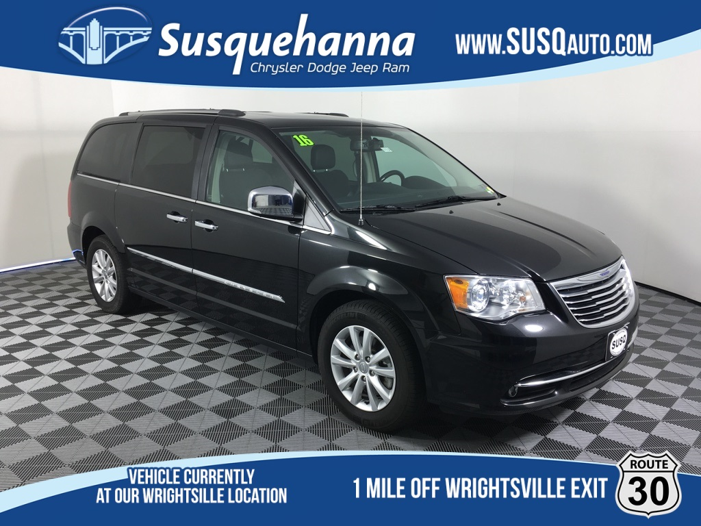 Certified Pre-Owned 2016 Chrysler Town & Country Limited