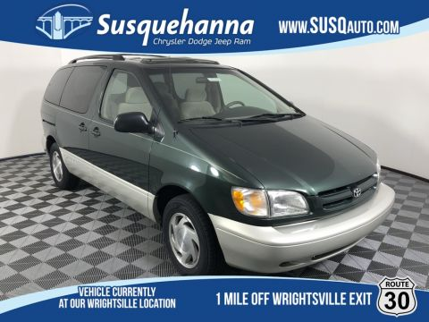 Pre-Owned 2000 Toyota Sienna XLE