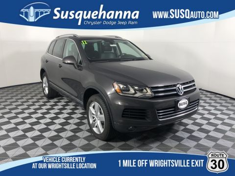 Pre-Owned 2011 Volkswagen Touareg V6 TDI With Navigation & AWD